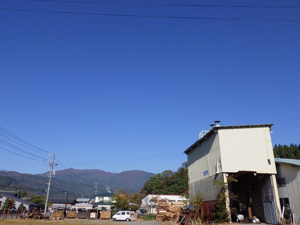 製材棟の青空.jpg