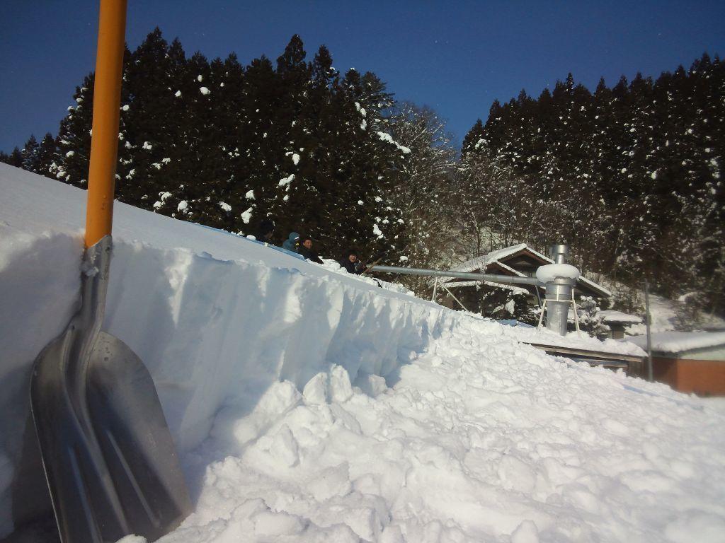 製材棟雪下ろし.JPG